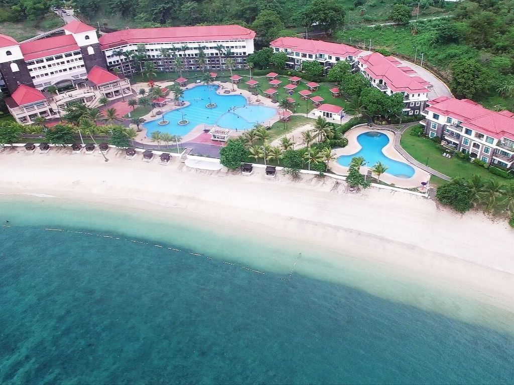 Affordable Beach Resorts in Batangas with Swimming Pool - Canyon Cove Hotel & Spa